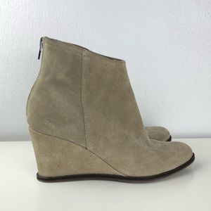 Dolce Vita wedge bootie in tan suede color